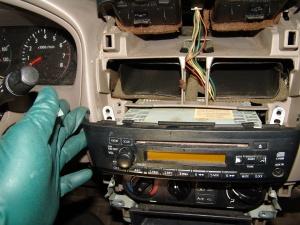 Sparky's Answers - 2006 Nissan Sentra A/C Stuck On Heat